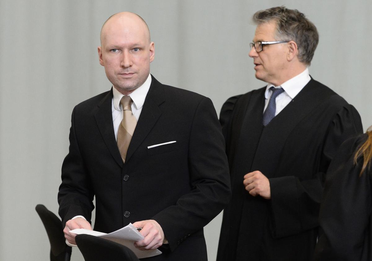Breivik Photo: Anders Breivik Claims Reading Adolf Hitler's Mein Kampf Is