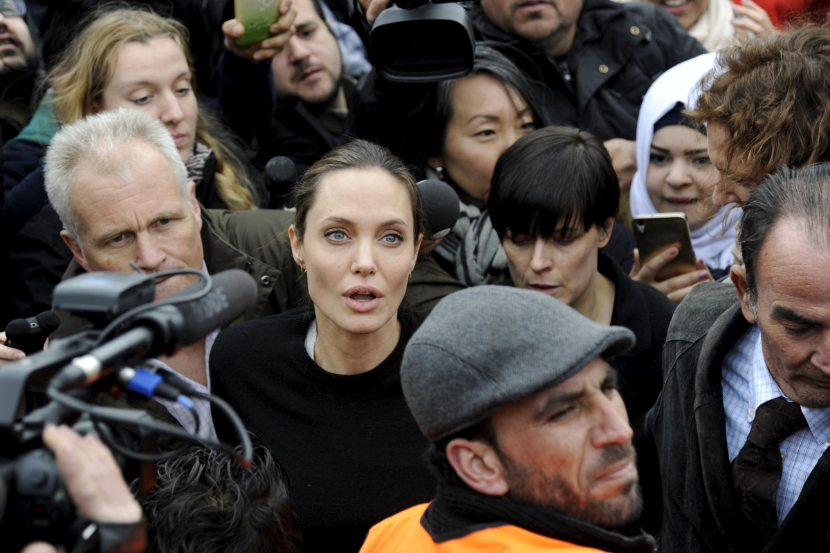 Angelina Jolie mobbed