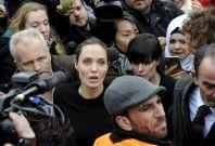 Angelina Jolie mobbed