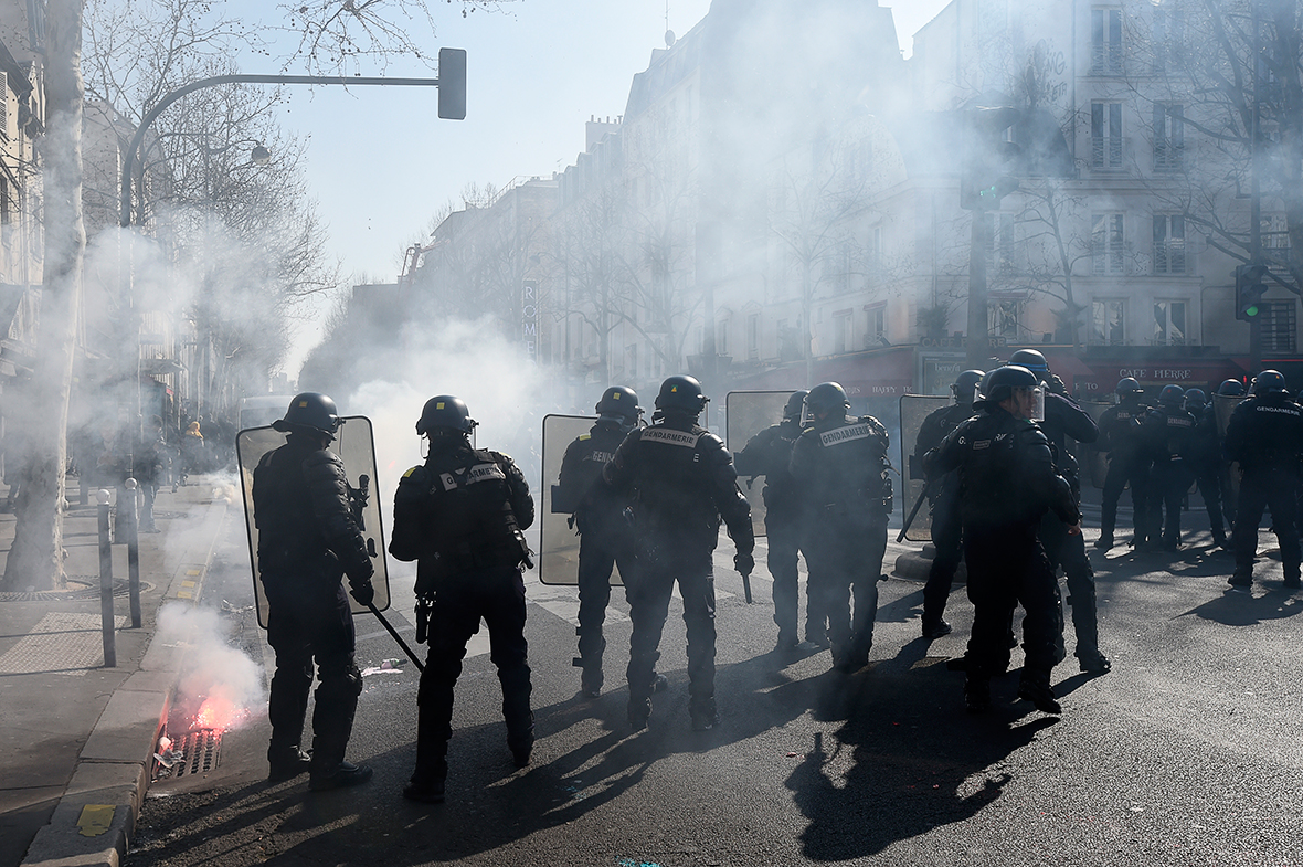 French students clash with police during protests against labour reforms
