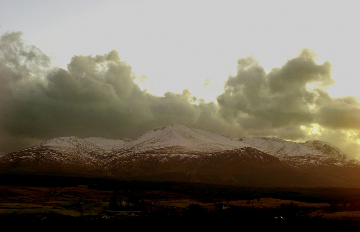 EVENING VIEW OVER BEN NEVIS WHERE FOUR CLIMBERS DIED.