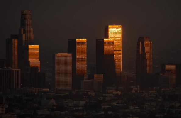 Man falls to death from LA skyscraper