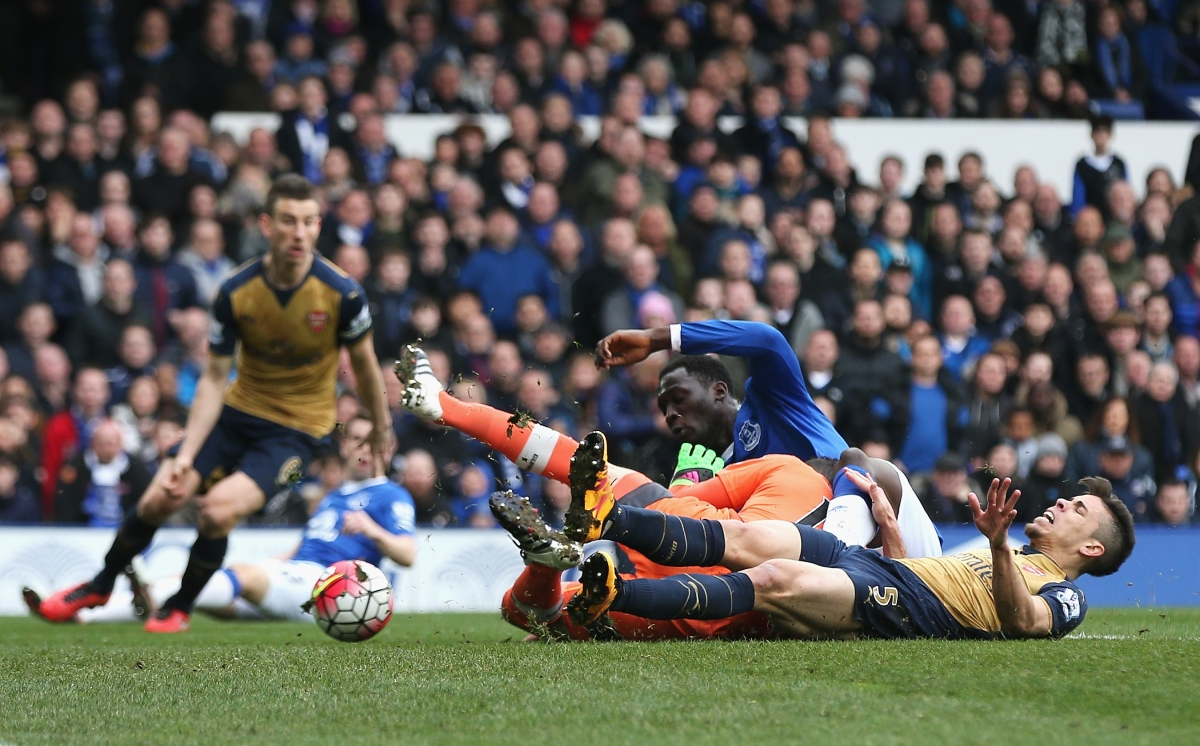 Ospina goes down injured