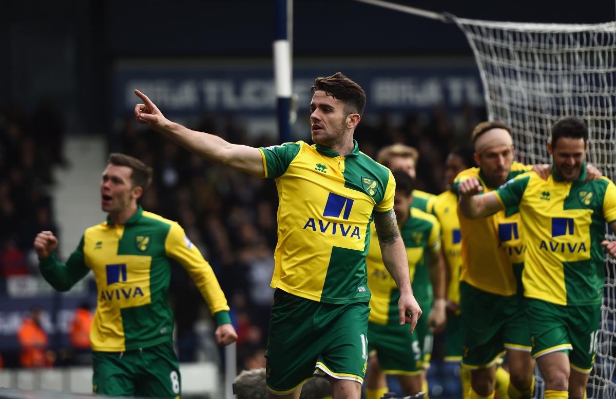 Robbie Brady celebrates his goal