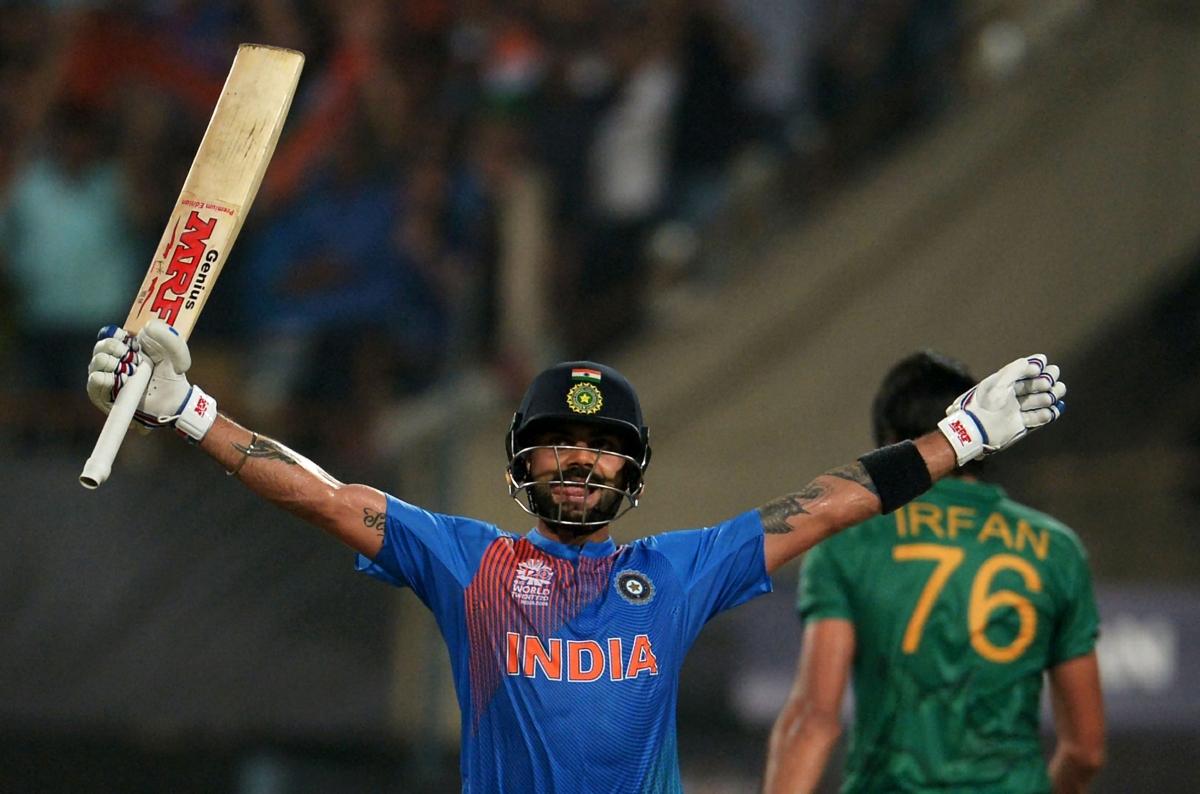 Virat Kholi celebrates against Pakistan