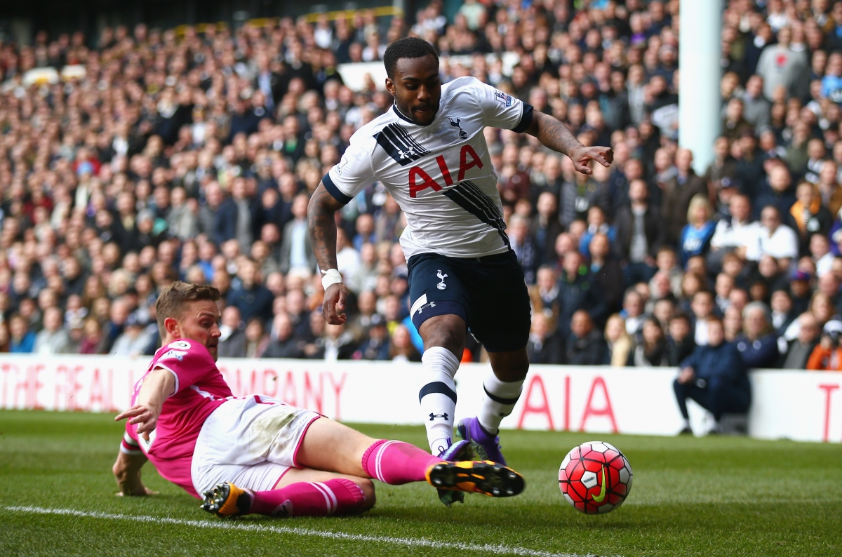 Danny Rose flies up the wing