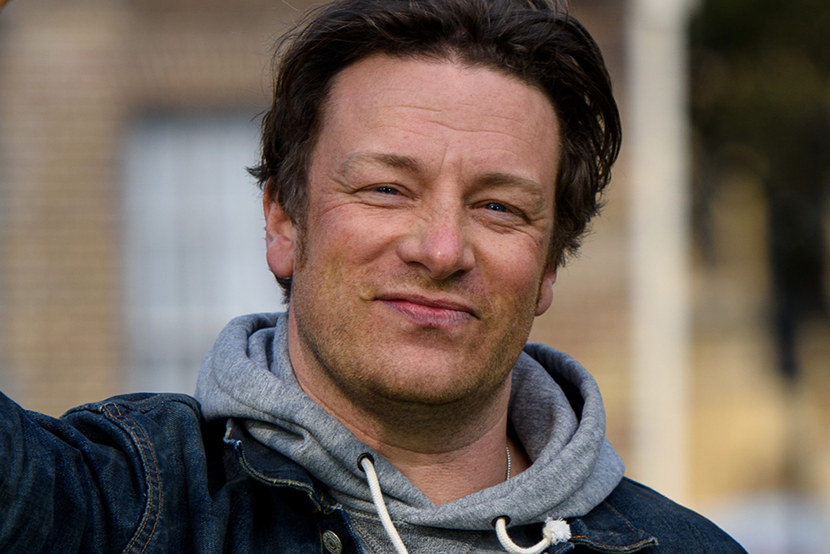 Jamie Oliver cooks up a storm over his paella dish by ...