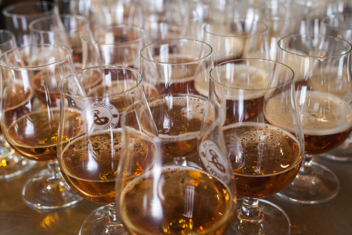 World Of Beer Will Pay Three Interns 12 000 To Travel The