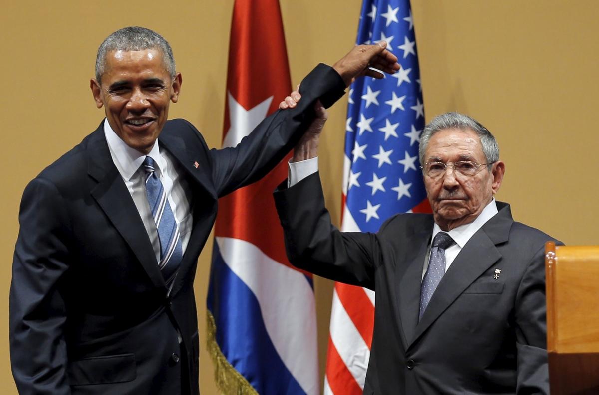 Barack Obama in Cuba with Raul Castro