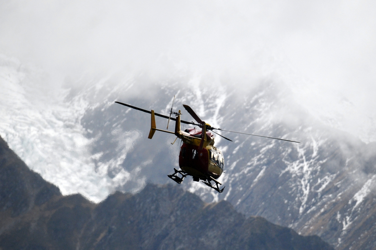 alps rescue helicopter