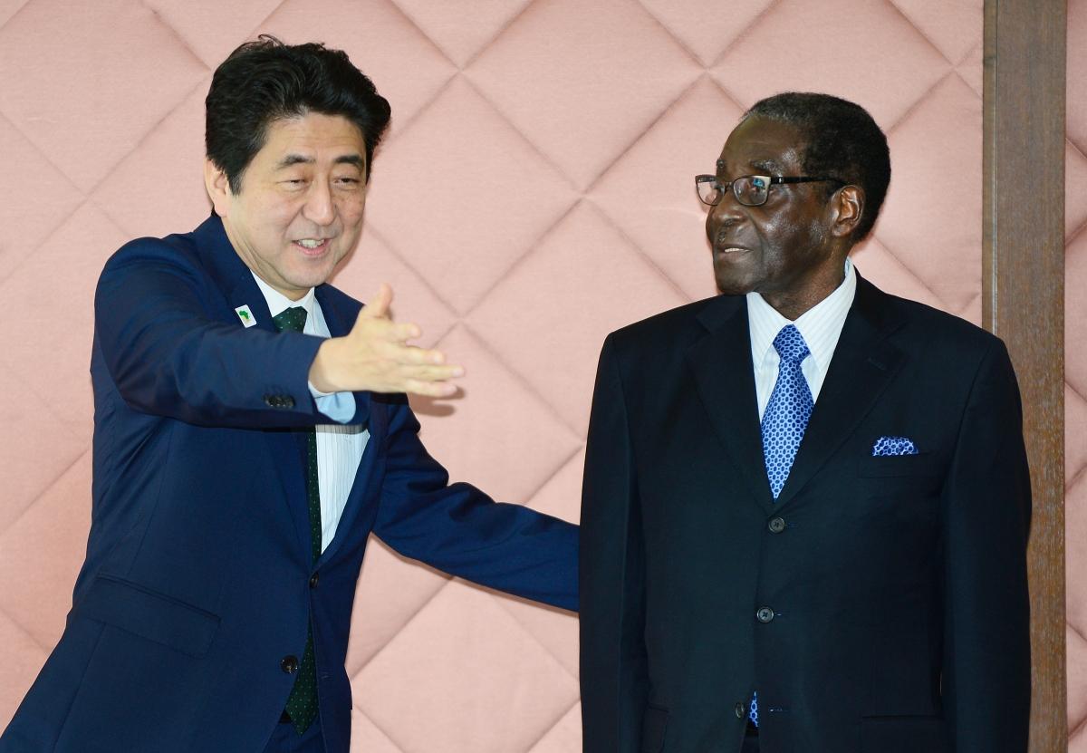 Robert Mugabe meets Shinzo Abe