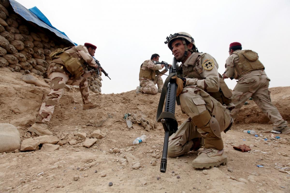Iraqi soldiers, near Mosul