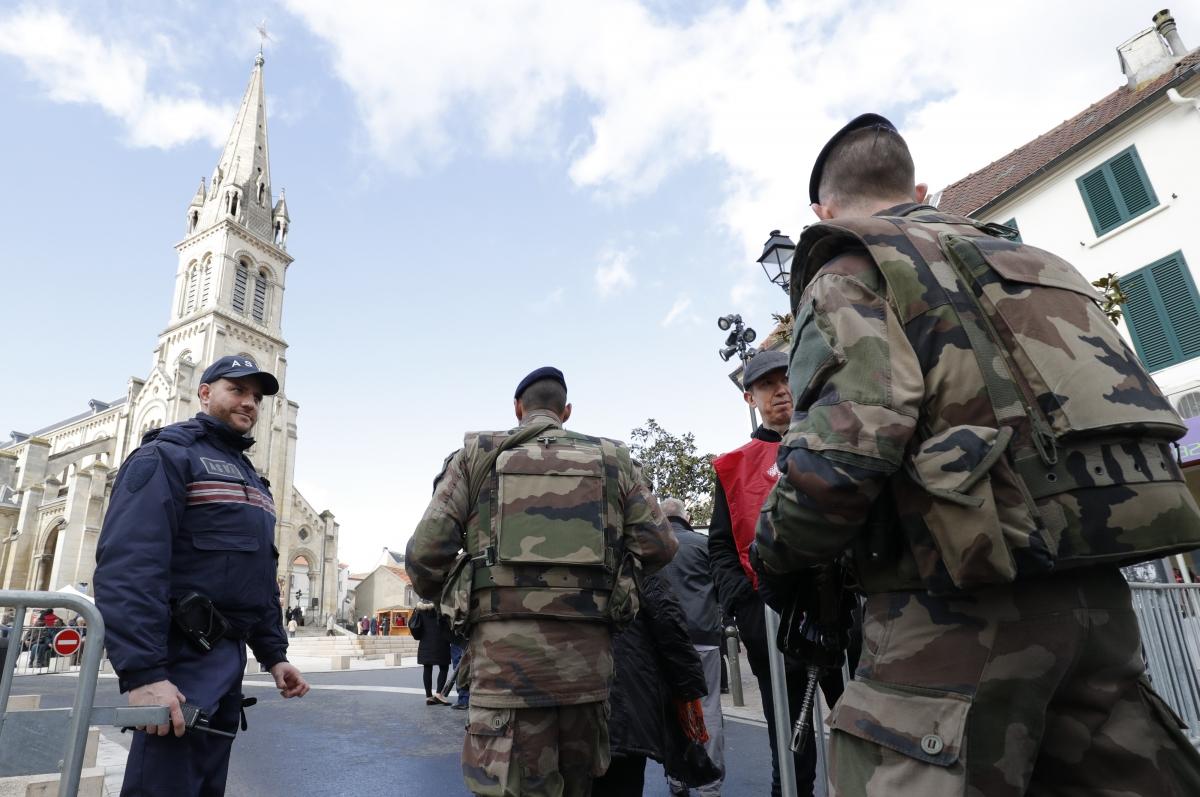 France, soldiers, Argenteuil, Paris
