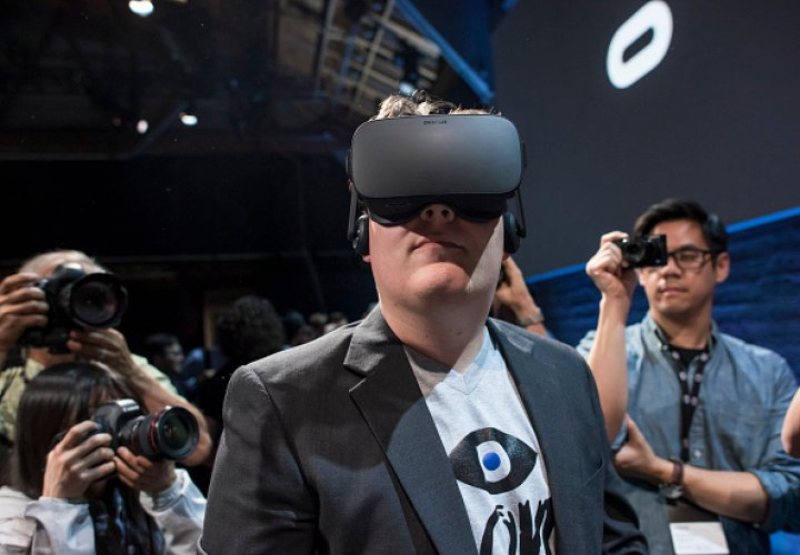 Oculus Rift founder Palmer Luckey hand delivered the first headset to developer and gamer in Alaska
