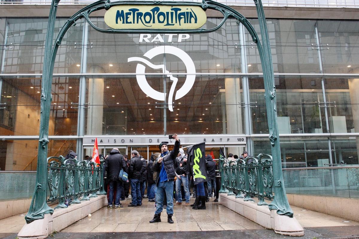 Paris transport and metro strike