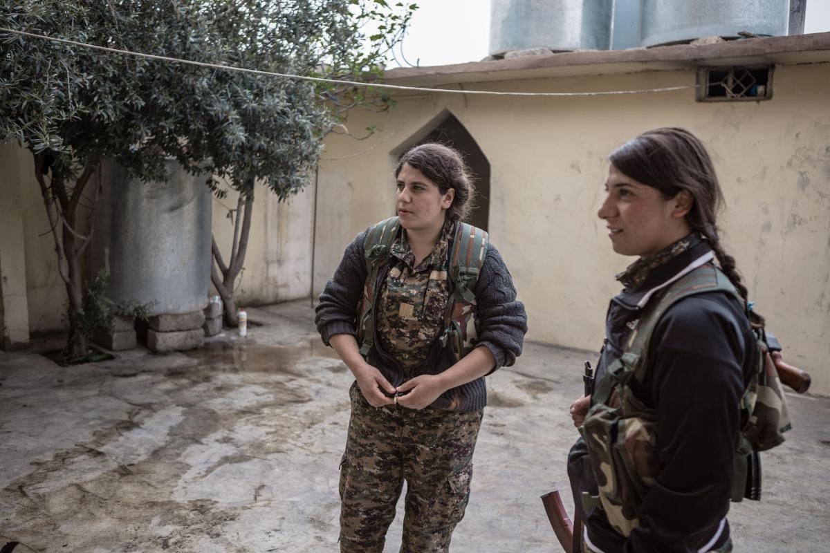 Sinjar women soldiers