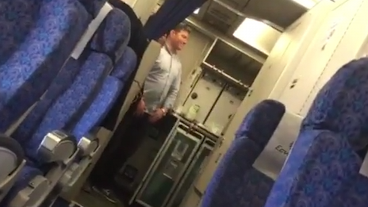 EgyptAir hijacker selfie
