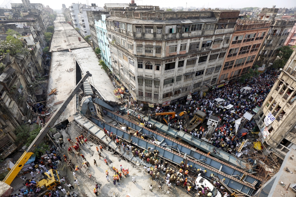 Kolkata flyover collapse
