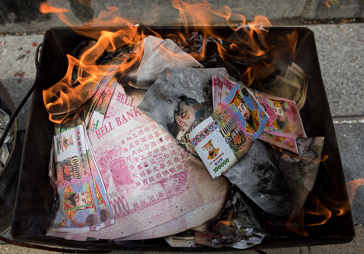 Qingming Festival Chinese People Give Food And Fake Money
