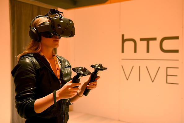 HTC apologises for Vive VR pre-order auto-cancellations, promises fix coming soon