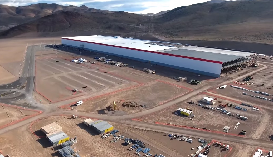Tesla Gigafactory: Incredible images of the new $5bn building key to Tesla's future