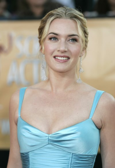 British actress Kate Winslet arrives during the 11th annual Screen Actors Guild awards.