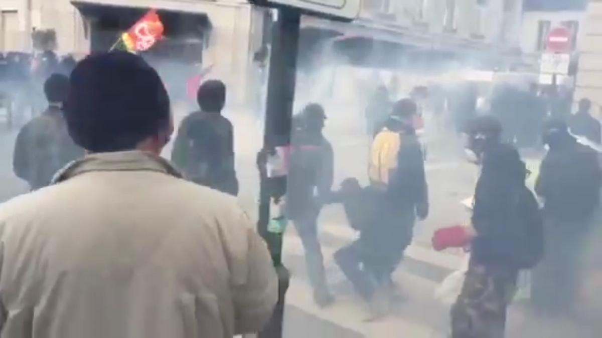 Tear gas in Rennes