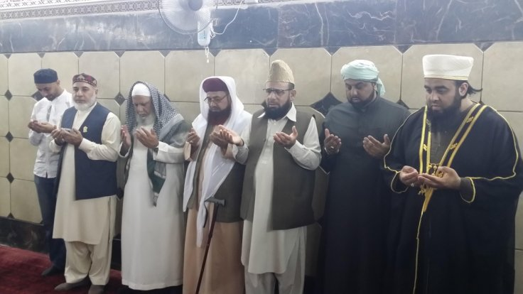 British imams pray in Iraq