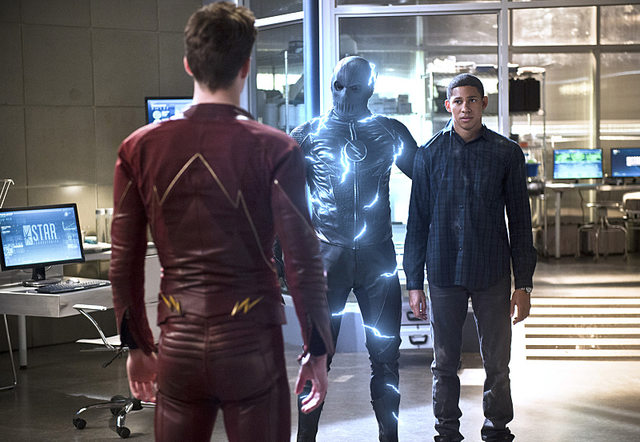 Flash Season 2 episode 18