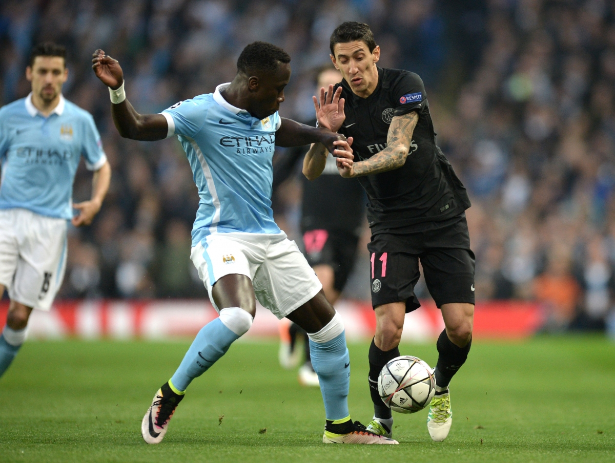Di Maria dribbles with the ball