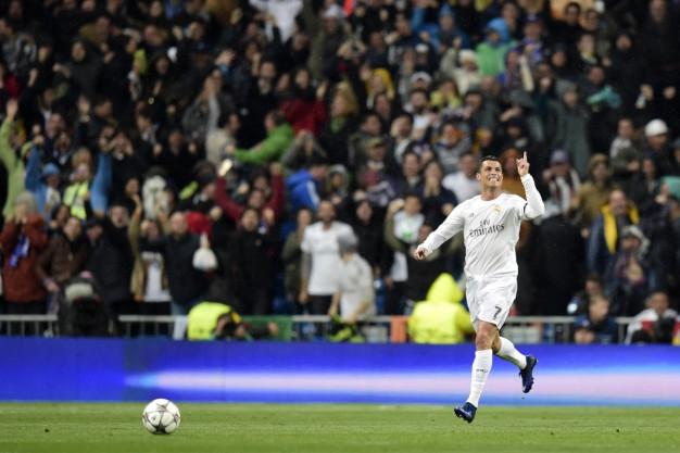 Ronaldo celebrates in Madrid