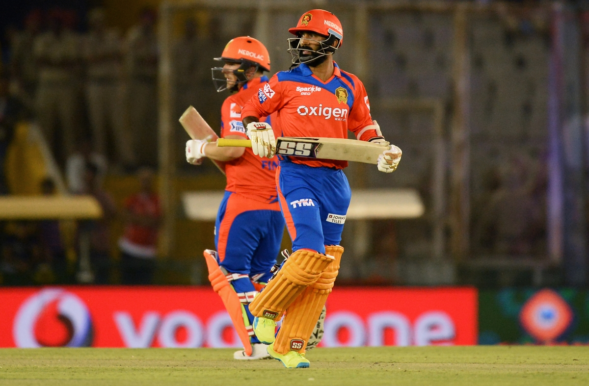 Dinesh Karthik and Aaron Finch