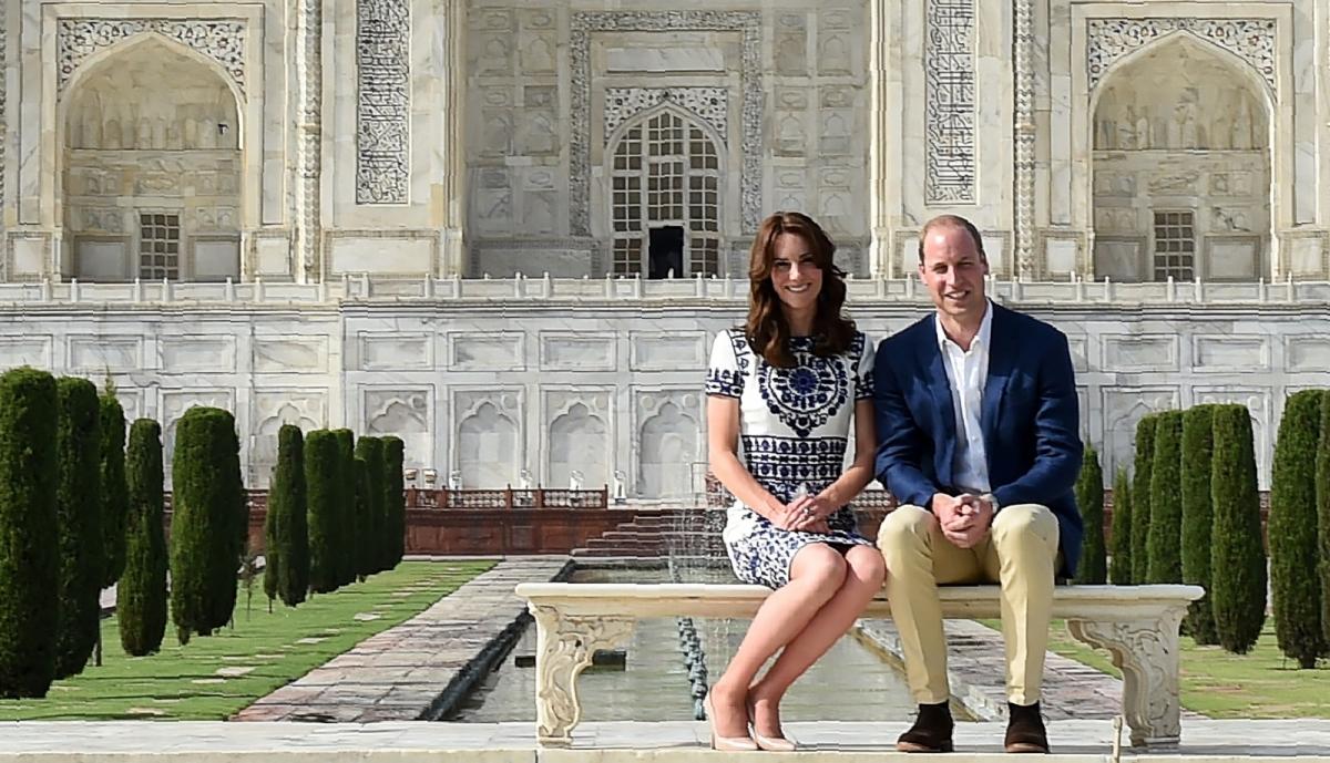 William Kate sit Diana Taj Mahal bench