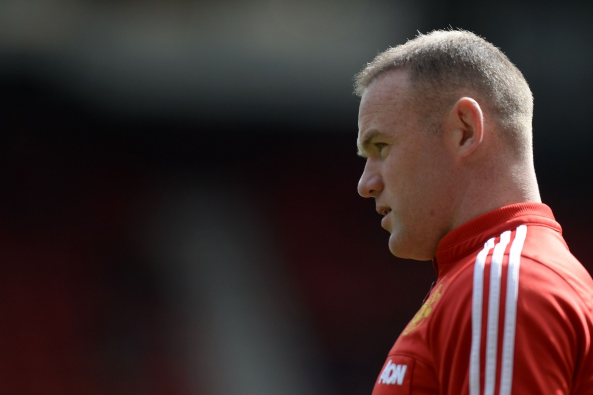 Wayne Rooney before kick-off