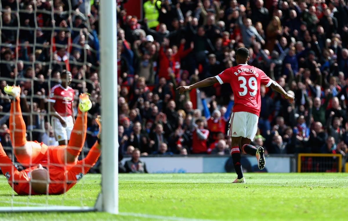 Marcus Rashford celebrates scoring
