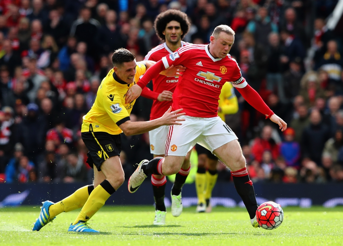 Wayne Rooney on the ball for United
