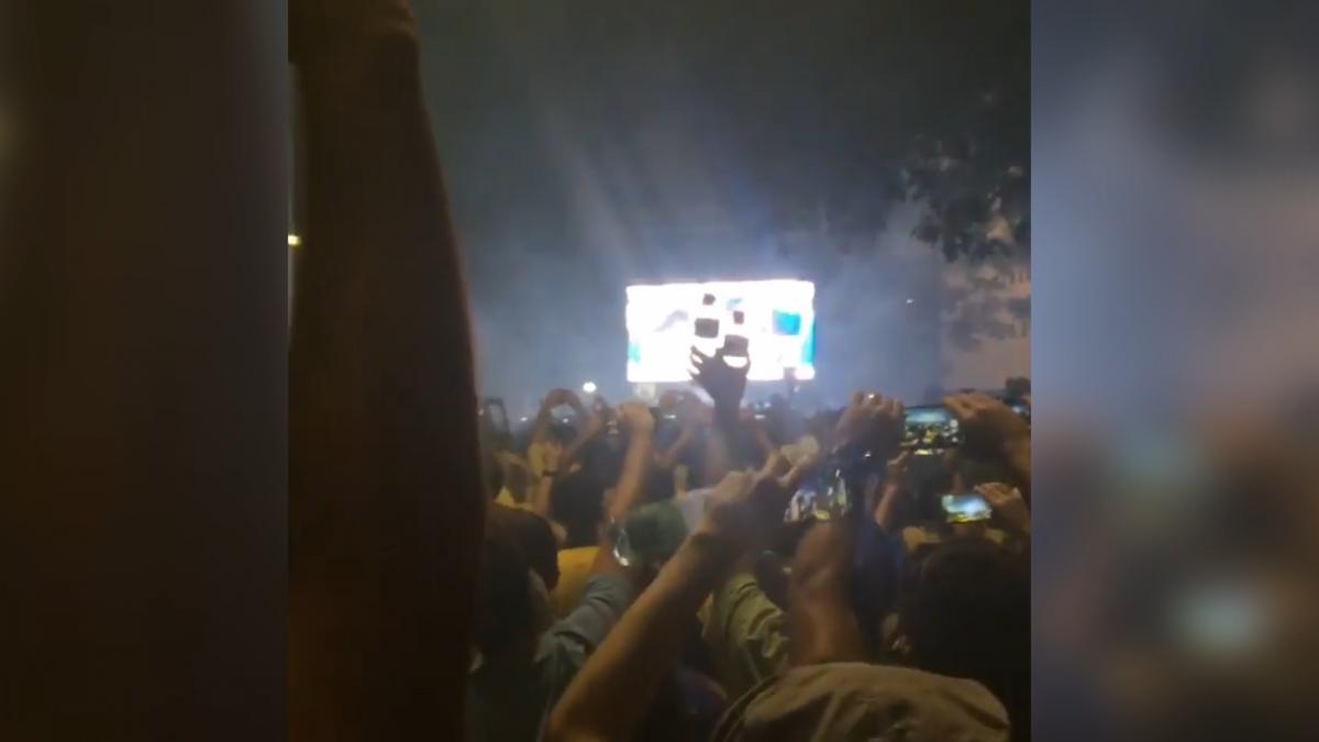 Crowds cheer