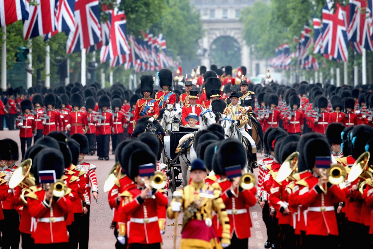 Trooping the Colour: When is the Queen's birthday parade ...
