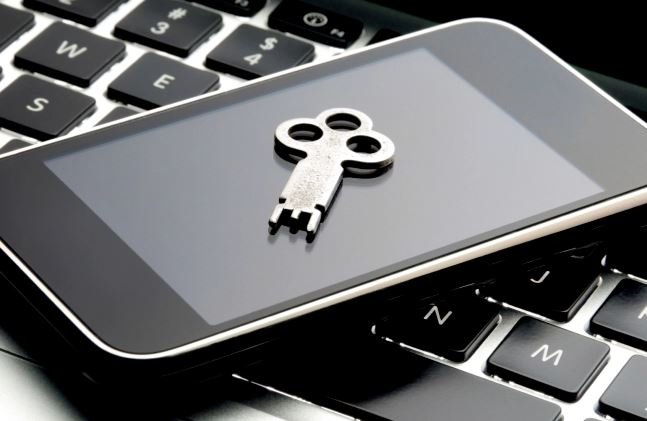 BlackBerry global decryption key