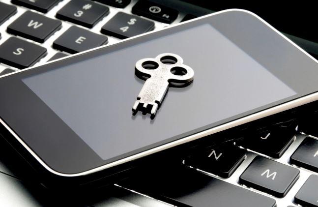 BlackBerry global decryption key