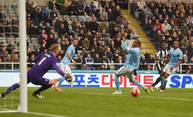 Vurnon Anita finds the net