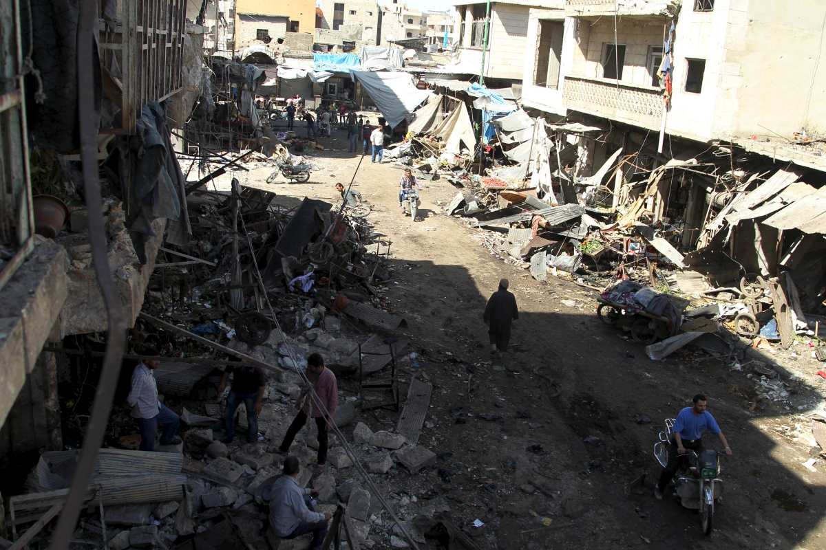 air strikes syrian market
