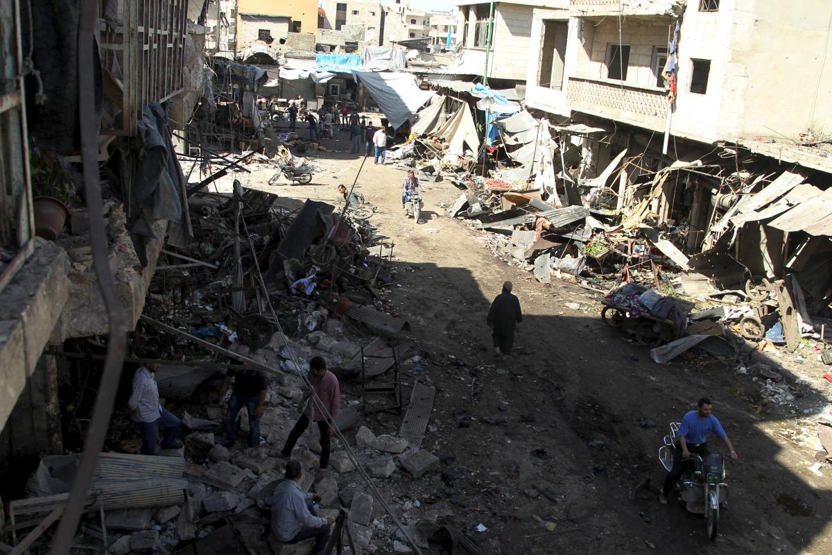 air strikes syrian market