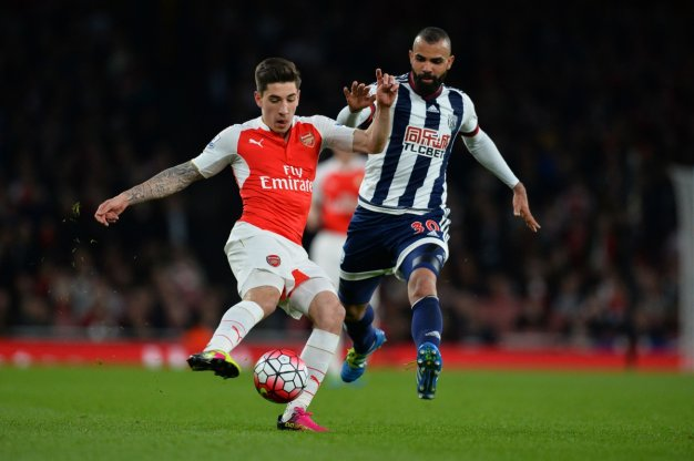 Hector Bellerin turns inside