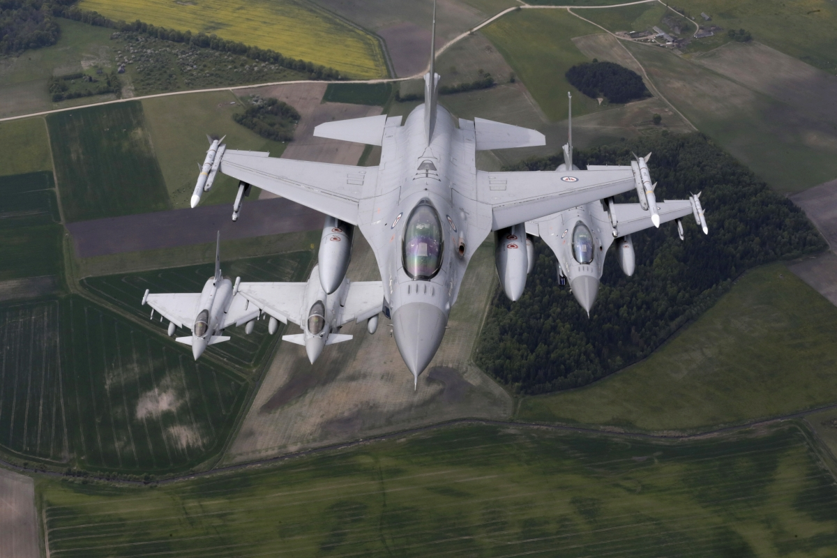 F-16 Jets In To Help Norwegian Doctors Save Dying Patient