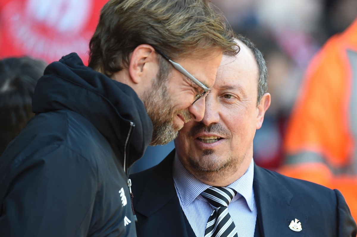 Klopp (left) and Benitez on the touchline