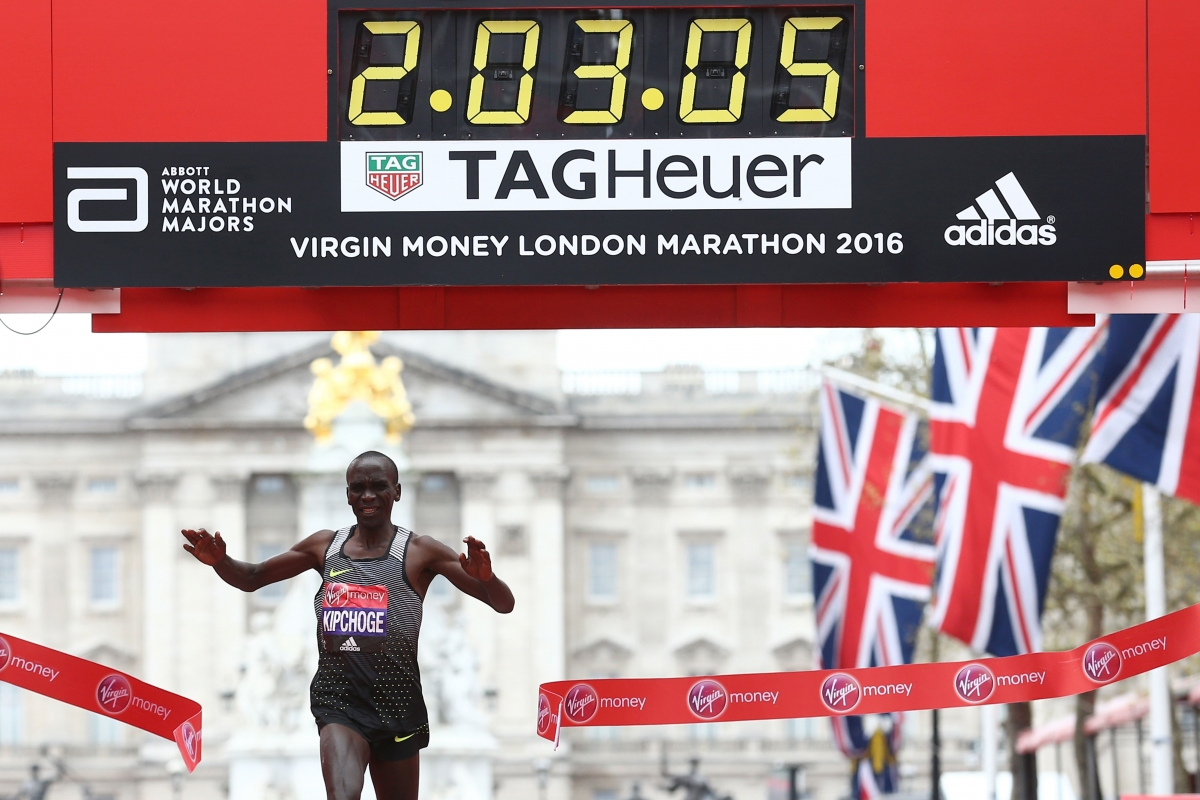 Eliud Kipchoge wins the London marathon