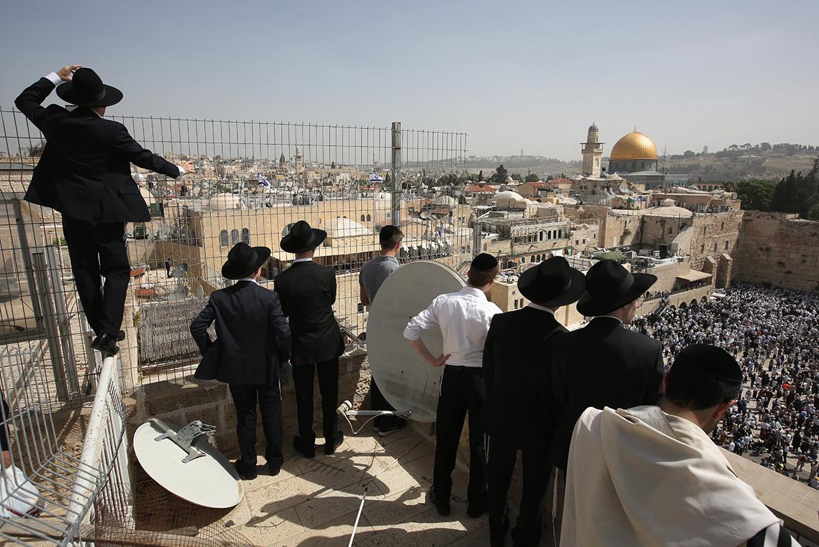 Jerusalem: priest's blessing