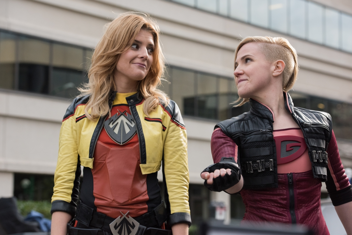 Fullscreen reboot of Electra Woman and Dyna Girl