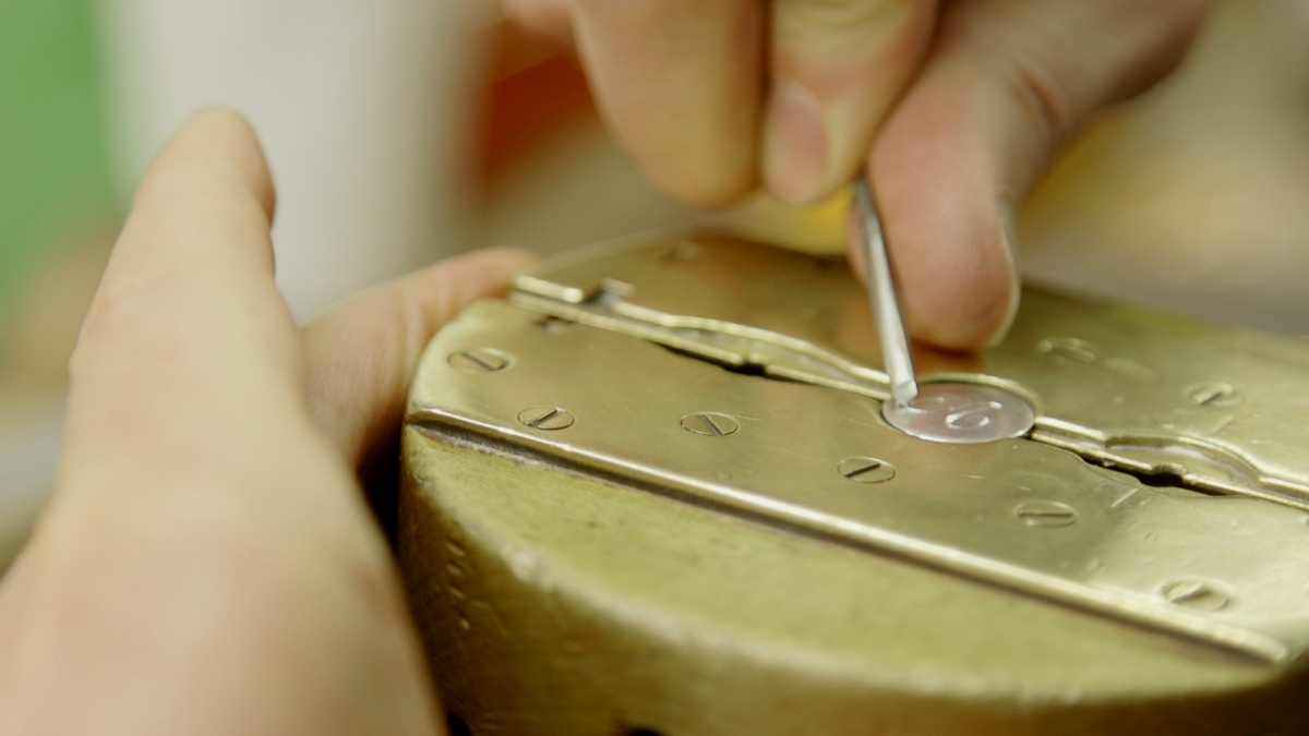 The Ring Engraver